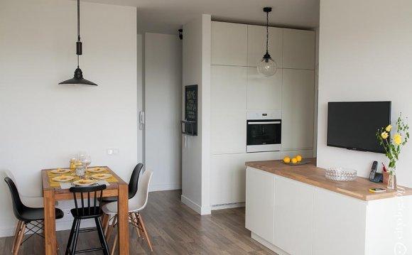 Дизайн кухни-гостиной в